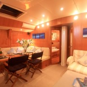 "SY Pacific Wave Saloon & 32"" Flatscreen"