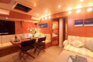 "SY Pacific Wave Saloon & 32"" Flatscreen"