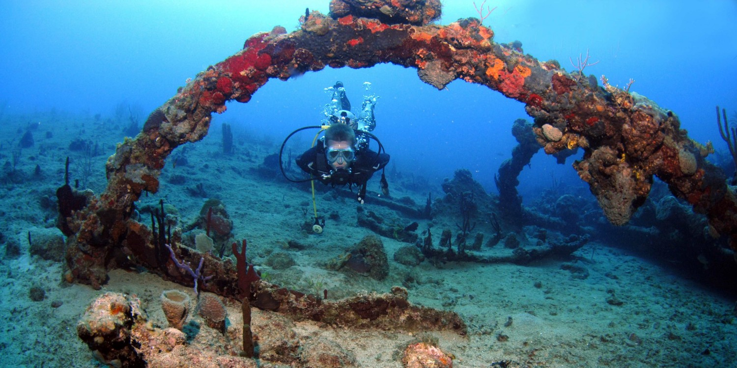 Pacific Wave Diving the RMS Rhone