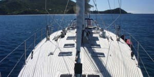 SY Pacific Wave Teak Deck Anchored Iles des Saintes